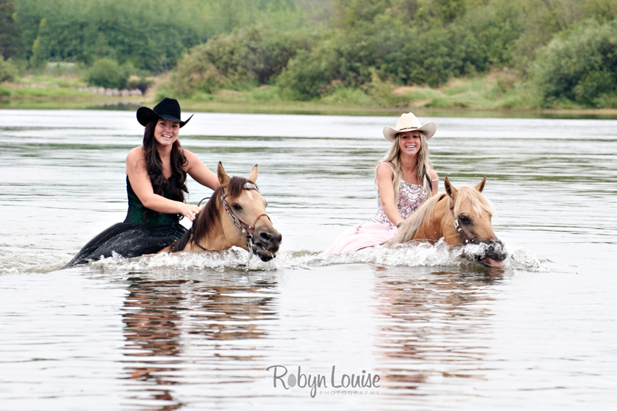 Robyn-Louise-Photography-Beauty-and-Beloved-Horse-Seniors-Grad-Photography004
