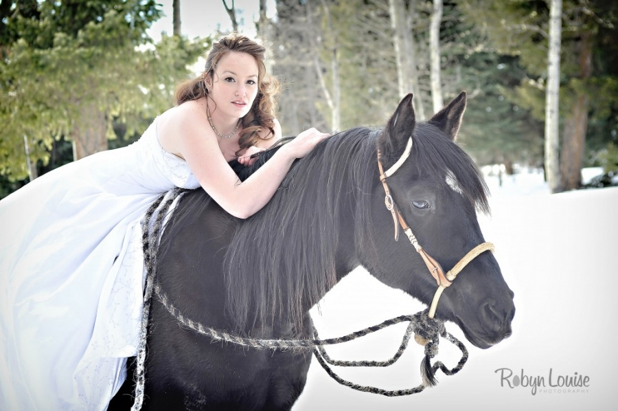 Robyn-Louise-Photography-Beauty-and-Beloved-Horse-Bride-Photography001