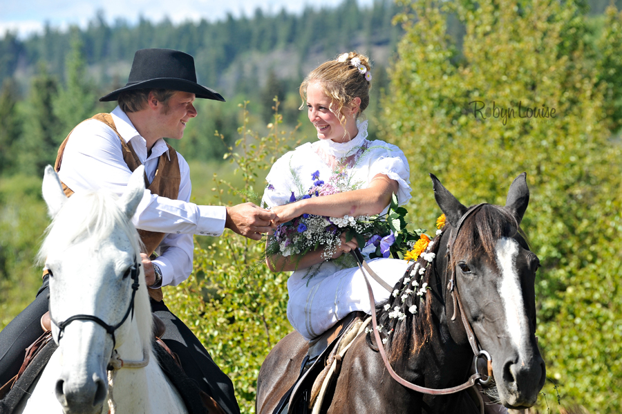 Robyn-Louise-Photography-Beauty-and-Beloved-Horse-Bride-Wedding-Engagement-Photography037
