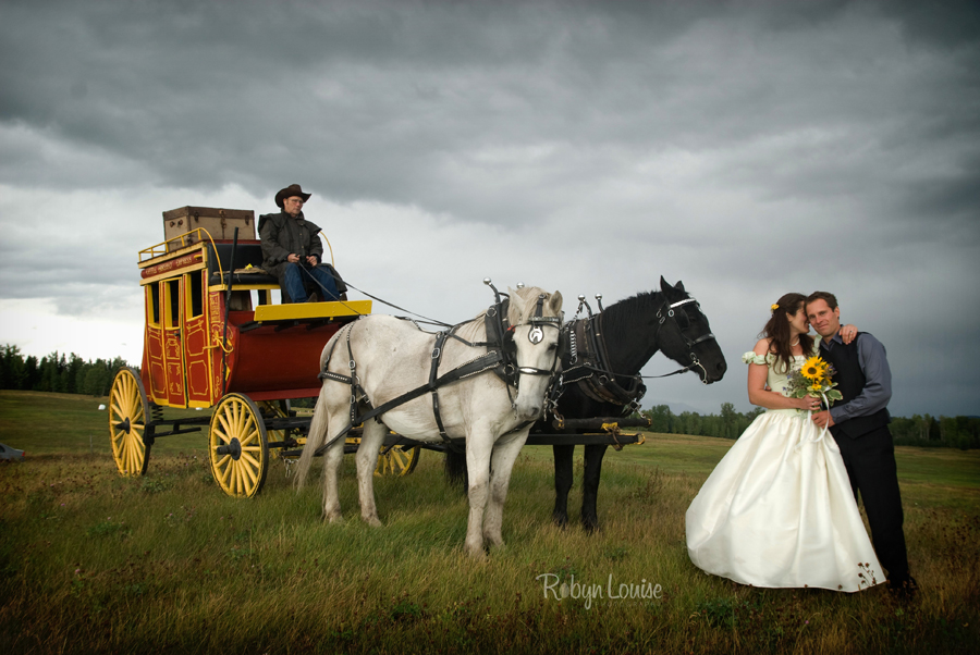 Robyn-Louise-Photography-Beauty-and-Beloved-Horse-Bride-Wedding-Engagement-Photography042