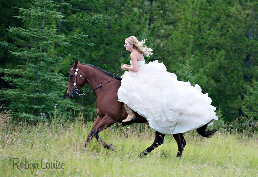 Robyn-Louise-Photography-Beauty-and-Beloved-Horse-Grad-Seniors-Photography001