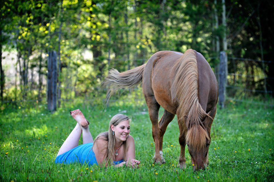 Robyn-Louise-Photography-Beauty-and-Beloved-Horse-Grad-Seniors-Photography006