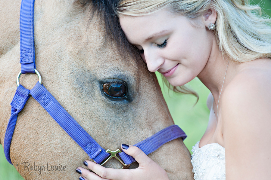 Robyn-Louise-Photography-Beauty-and-Beloved-Horse-Grad-Seniors-Photography007