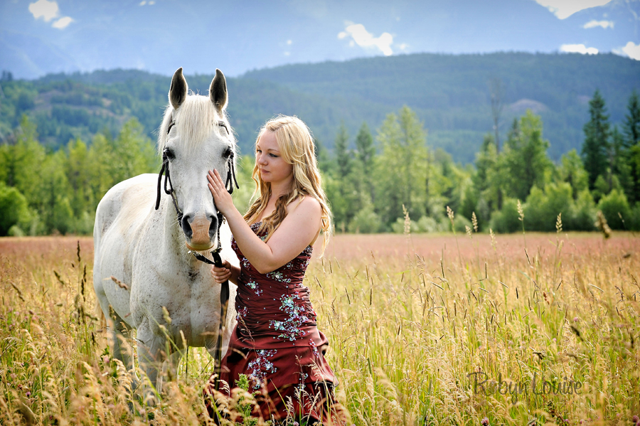 Robyn-Louise-Photography-Beauty-and-Beloved-Horse-Grad-Seniors-Photography009