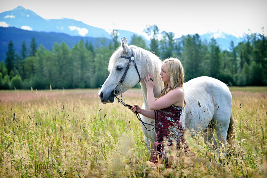 Robyn-Louise-Photography-Beauty-and-Beloved-Horse-Grad-Seniors-Photography013