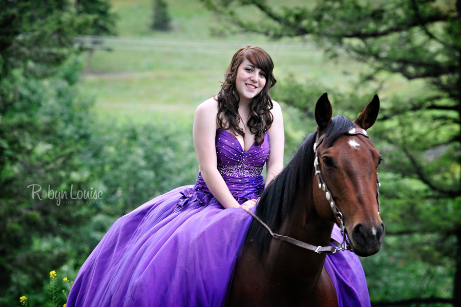 Robyn-Louise-Photography-Beauty-and-Beloved-Horse-Grad-Seniors-Photography016